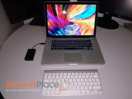 MACBOOK PRO 15 - INTEL QUAD CORE i7 - NVIDIA - 16GB RAM
